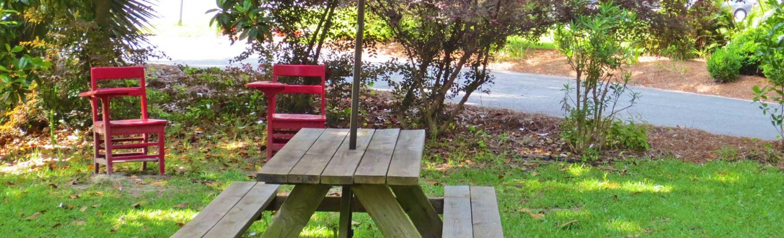 Childrens-Garden-picnic-table